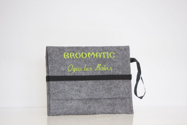 Broderie personnalisée sur un sac
