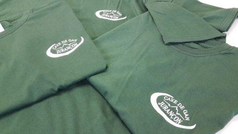 Broderie sur des t-shirts pour la cave de Jurançon